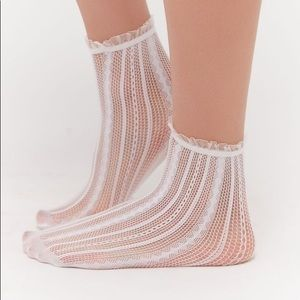 Sheer Striped Ankle Sock - white